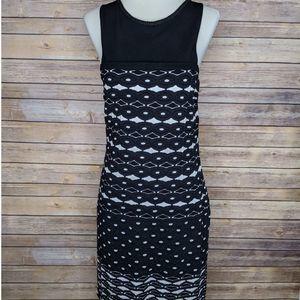 Missoni Size 6 XS White Black Chevron Midi Dress